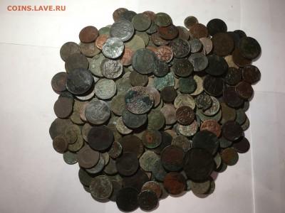 солянка медных нечищеных монет 250шт - image1