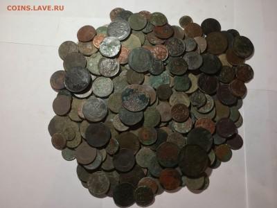 солянка медных нечищеных монет 250шт - image2