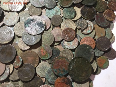 солянка медных нечищеных монет 250шт - image3