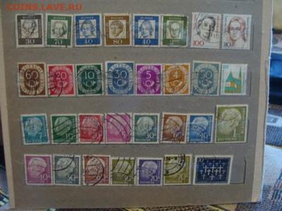 225 марок разных стран - DSC04662.JPG